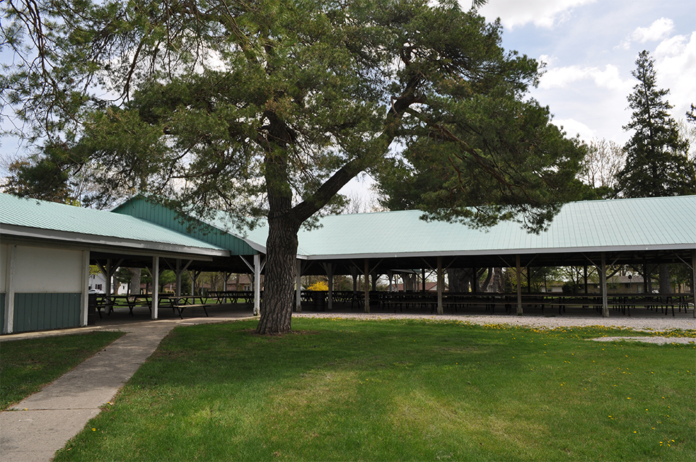 The pavilion at Poplar Hill Park.